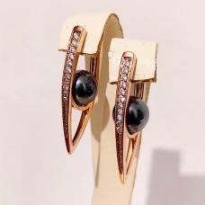 Сережки Алмазні стрілки з чорним жемчугом, розмір 31х9 мм, позолота 18К